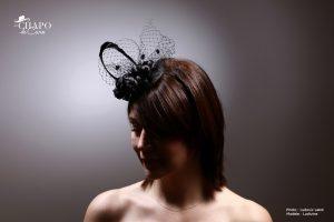 Bibi Suzelle noir sisal, fleurs de renoncules, voilette, Les Chapo de Caro à Orléans
