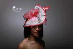 LesChapodeCaro-2019-bibi Maëly-Orléans en sisal blanc rose, crin et plumes