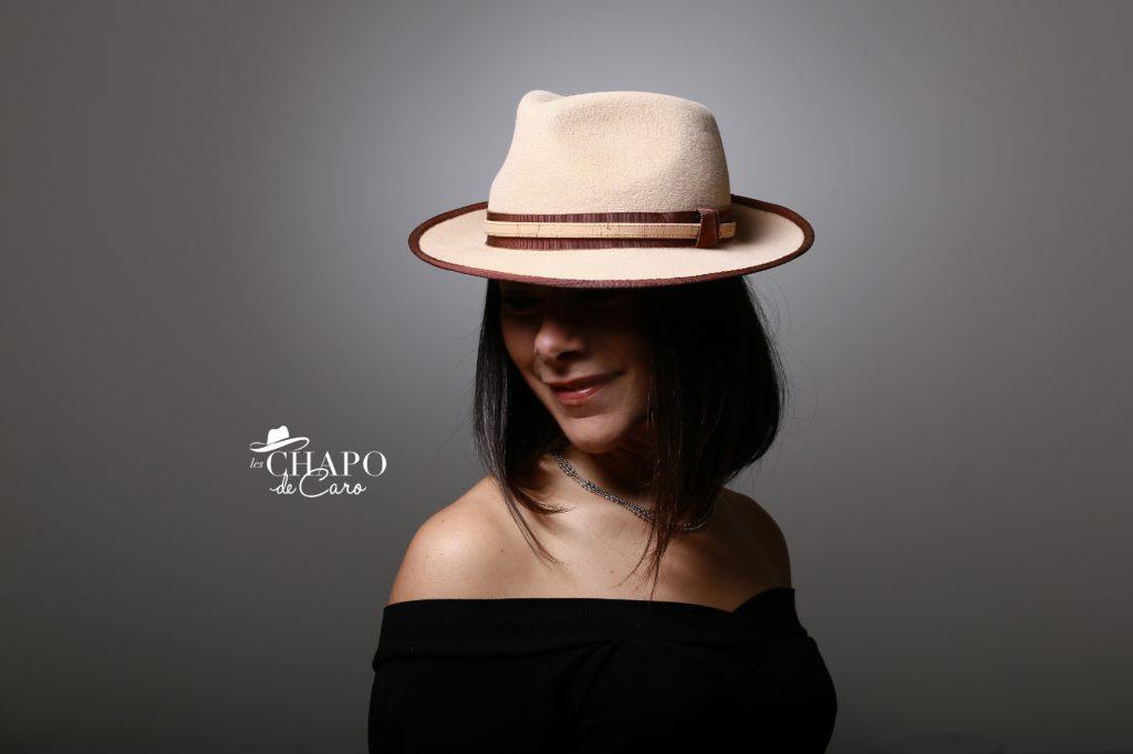 LesChapodeCaro-chapeau hiver-Carmen- en feutre beige et ruban contrasté orleans-paris