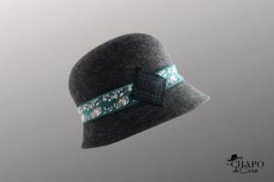 Les Chapo de Caro, Orléans Paris, chapeauFeutre gris chiné Renard Vert Cooper côté droit