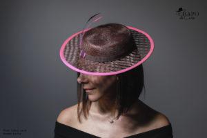 LesChapodeCaro - chapeau cérémonie Manoé Marron et rose